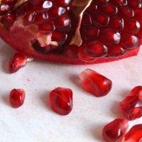 Красивый и полезный фрукт! :: Валентина  Нефёдова