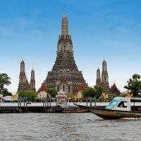Таиланд. Бангкок. Храм на берегу реки Чаупхрая :: Владимир Шибинский
