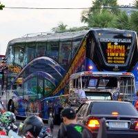 На улицах Паттайи :: Дмитрий Боргер