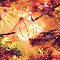Украшаем елку разными шариками, к примеру таким :: Анастасия Попова