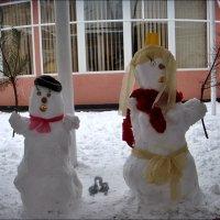 Тёплый привет от снежной пары! :: Нина Корешкова