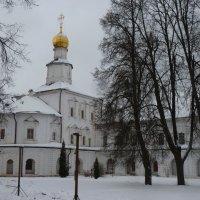 Церковь Рождества Христова и трапезные палаты..  снимок  2012 года.. :: Galina Leskova