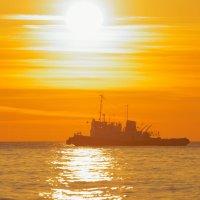 белое Солнце Чёрного моря :: Олег Кручинин