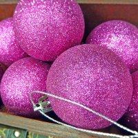 Сундук с новогодними игрушками :: Анастасия Белякова