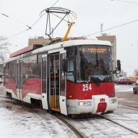 Смоленск. Новогодний и снежный трамвай. АКСМ-62103 :: Алексей Шаповалов Стерх