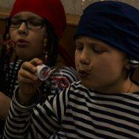 пираты и мыльные пузыри :: Елена Баландина