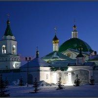 Церковь Феодора Стратилата в Троицком монастыре.Чебоксары. :: Юрий Ефимов