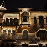 Дом № 17 по улице  Литераторов, в котором жила и скончалась артистка М.Г. Савина :: Елена Смолова