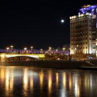 Луна заходит в гости в театр эстрады :: Олег Лукьянов