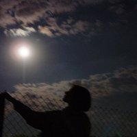 Портрет с луной :: Сергей Трусов