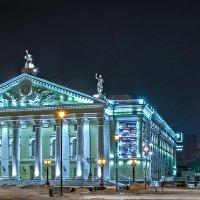 Челябинск. Ночь. Оперный театр :: Марк