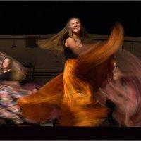 Цыганский танец :: Юрий Васильев