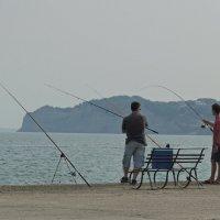 рыбаки в Сидари :: Алексей Меринов