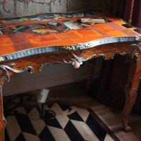 Стеклярусный кабинет. Уникальный столик - шедевр декоративно-прикладного искусства :: Елена Смолова