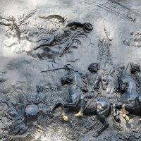 Барельеф на памятнике Павлу1 :: NICKIII Михаил Г.