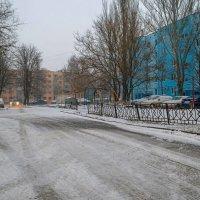 Во дворе :: Константин Бобинский