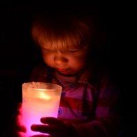 Со свечой :: Дарья Каратун