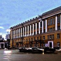 Институт культуры на Театральной площади города Рязани :: Константин Тимченко