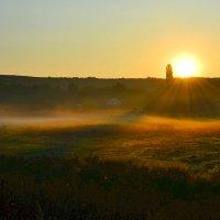 Восход над долиной :: Nina Streapan