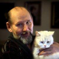 Портрет художника с грустящим котом... :: Андрей Войцехов