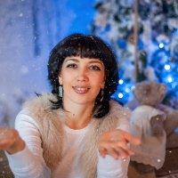 А снег идет... :: Анастасия Стробыкина