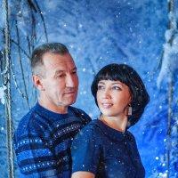 Снег кружится, летает, летает... :: Анастасия Стробыкина
