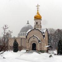 Дорогу к богу тоже заносит :: Александр Запылёнов