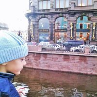 Прогулка по набережной канала Грибоедова :: Зоя )