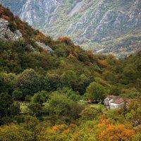 Петр Богомазов - Спрятавшийся в горах