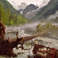Владимир Орлов - Туманный пейзаж в долине реки Аманауз