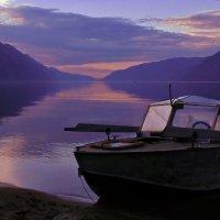 старая лодка :: Алексей Карташев