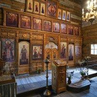 Внутри церкви 18-го века :: Василий Каштанюк