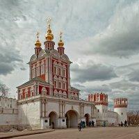 Надвратная Преображенская церковь :: Сергей Котусов