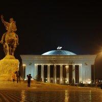 Вид на дворец Форумов :: Владимир Шлосберг
