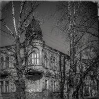Подставив фасад первым лучам :: Игорь Найда