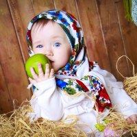 Любовь и яблоко :: Ольга Рейдт