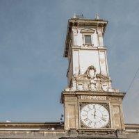 Часовая башня в Милане :: Witalij Loewin