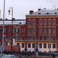 Клуб, построенный на бриллианты мадам Петуховой, тёщи Кисы Воробьянинова. :: Владимир Болдырев