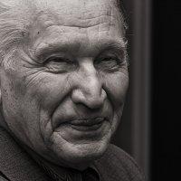 портрет пожилого человека :: Андрей Пашков