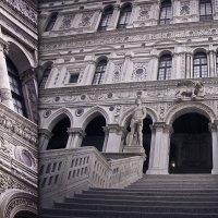 Дворец дожей в Венеции. Лестница Гигантов. :: Юлия