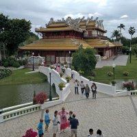 Таиланд. Бангкок. Летняя резиденция короля Рамы V, правил с 1868 по 1910 год :: Владимир Шибинский