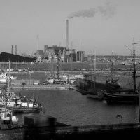 Старый угольный порт. :: M Marikfoto