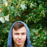 Летний портрет юноши :: Евгений Золотаев