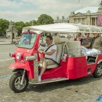 Интересное такси в Париже :: leo yagonen