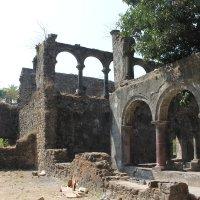 руины каталического храма  1636г. :: maikl falkon