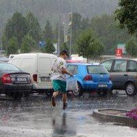 Бегом под дождем :: Евгений Кривошеев