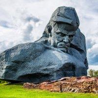"Монумент ""Мужество"" :: Сергей Хомич"