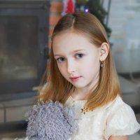 Портрет маленькой Вики :: Юлия