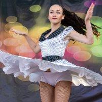 В вихре танца. :: Анатолий Сидоренков