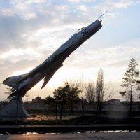 самолет-памятник :: Герович Лилия